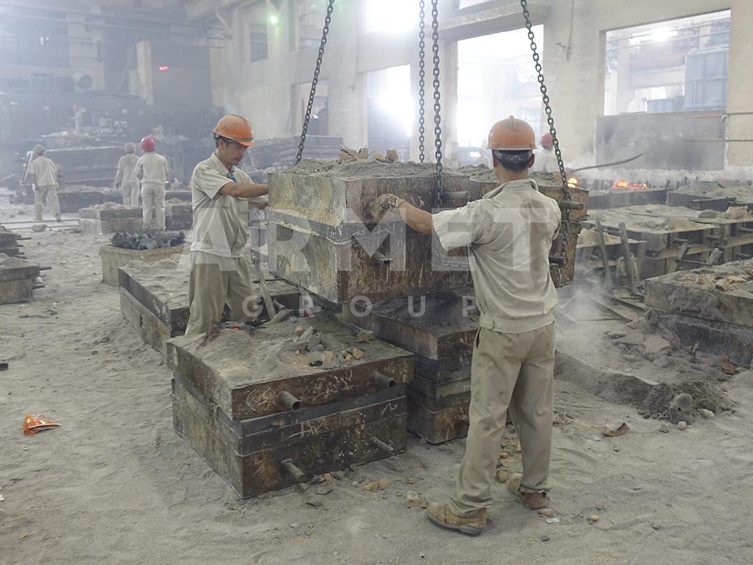 Производство плит для щековой дробилки в Китае